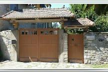 Dépendance ds résidence privée,  centre de Cremieu