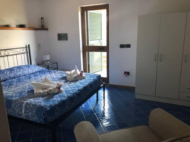 Maioliche di Vietri,camera panoramicissima con barbeque e cucina sul terrazzo