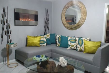 2 BEDROOOM LARGE HOME NEAR KEY WEST - Big Pine Key - Hus