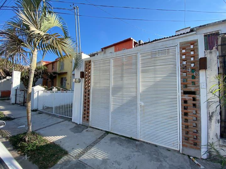 Casa Fernando, a 1.2 km de la playa