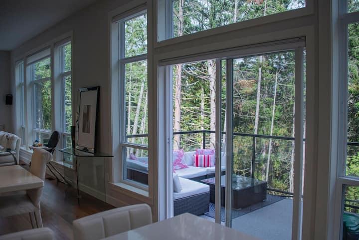 Executive Bear Mountain Home