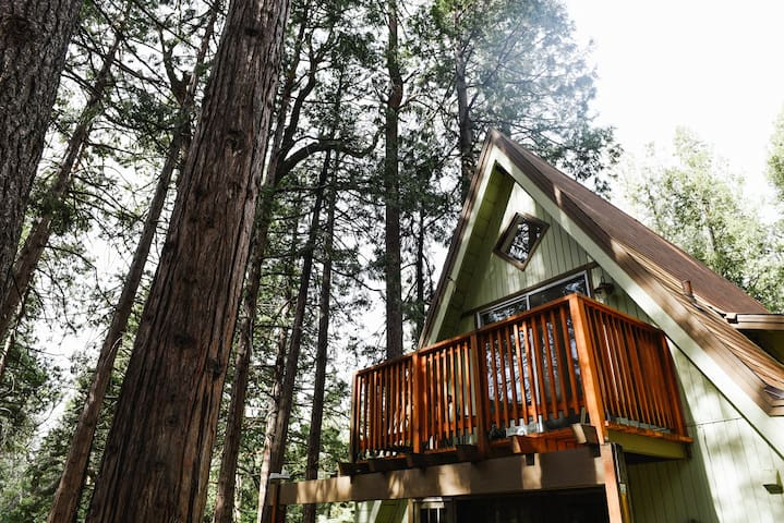 2 Brooks A-Frame: Walk to Town Location, Secluded