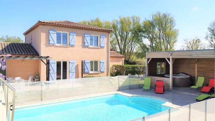 Très belle villa 13p piscine chauffée et jacuzzi