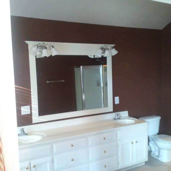 Master Bath, double sink, Shower and jacuzzi tub