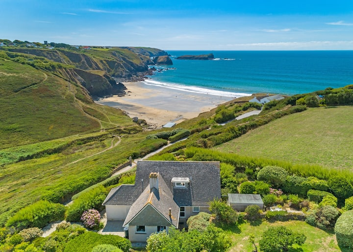 3 bed house with amazing sea view and beach access