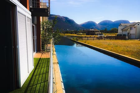 Luxury Waterfront Villa - Hartbeespoort - Villa