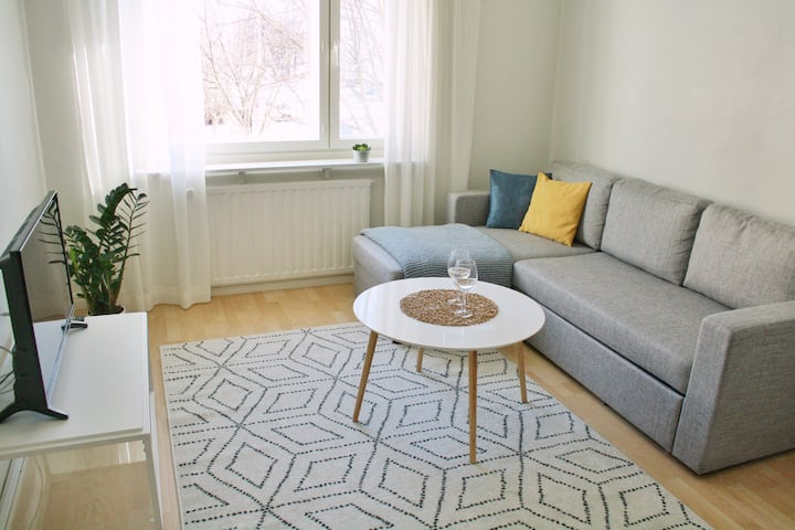 Up to 5 guests, free parking, 1km to city center