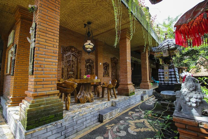 BULIAN Homestay and Hostel