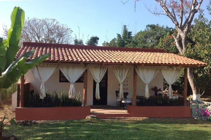 Quinta Los Mecates. Bungalow. 2 huéspedes. WiFi.