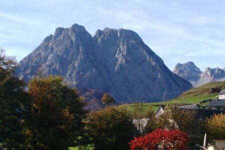 Grand gite à la montagne  Lescun 64
