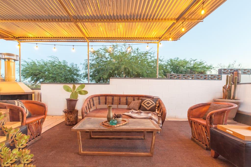 Hi Desert Ranch :: Upper Grounds - Fireside Lounge