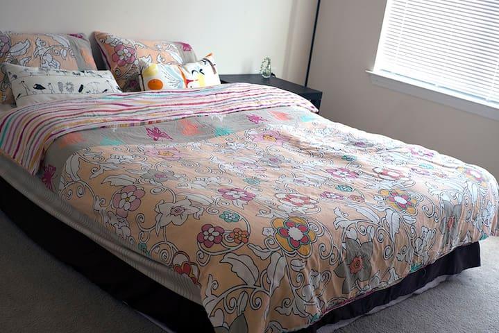 Clean Apartment on Chatham Pwky - Savannah - Huoneisto