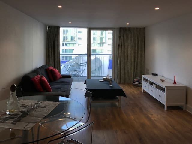 Large 1 Bedroom Apartment - London Bridge - Lontoo - Huoneisto