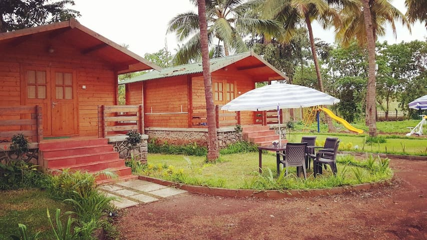 Cottage next to beach