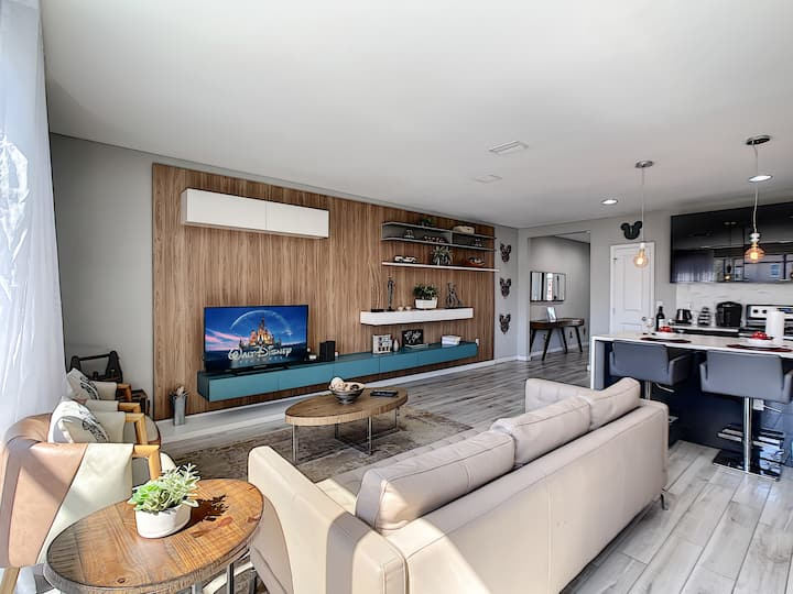 Fantastic 4BR Family Resort Home - Private Pool!