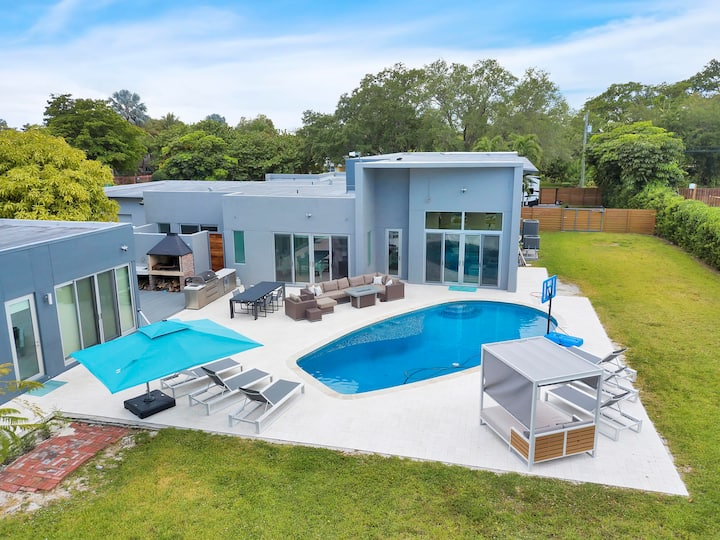 *Ultimate Miami Luxury Vacation Mansion***