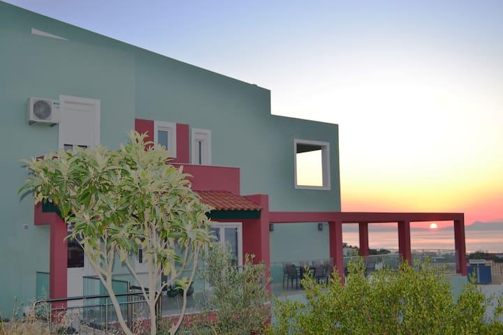 Villa Mondo Blu — Sea view Summerhouse in Crete