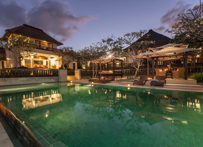 3 Bedroom Villa Karang Nusa at Jimbaran
