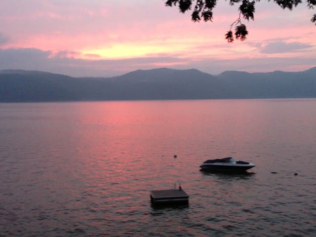Lake Champlain Designer Cottage - Vergennes - Cabin