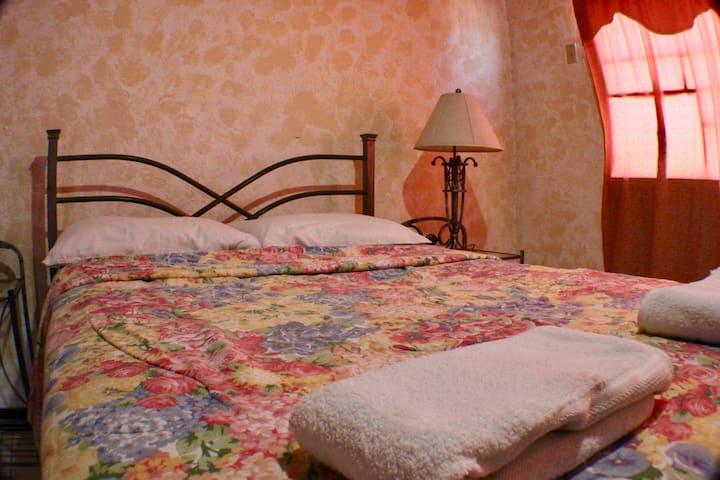Maria Del Mar | Room 8