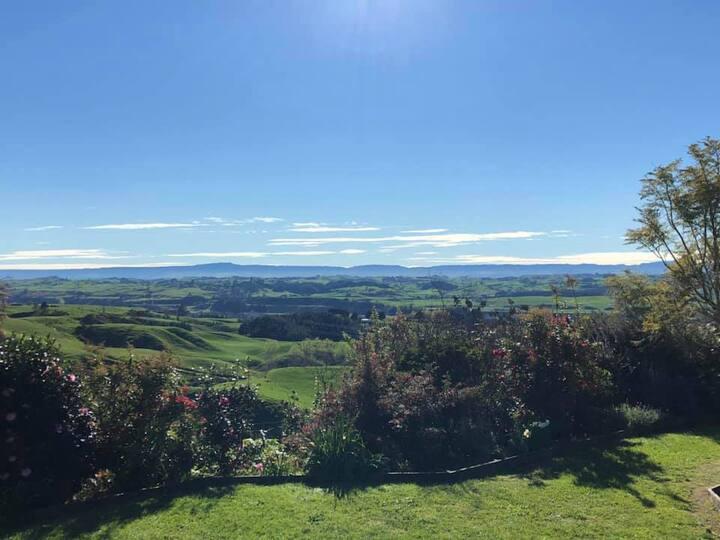 Hilltop Views - Self-Catering Villa 2