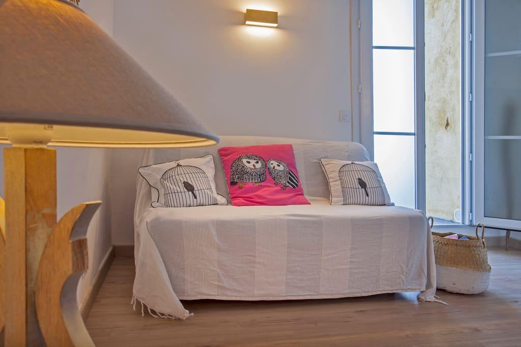 espace salon/canapé lit