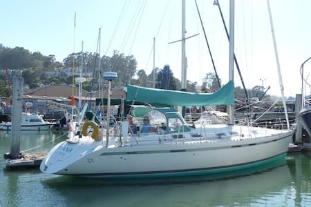 Romantic yacht in Sausalito harbor - Sausalito - Boot