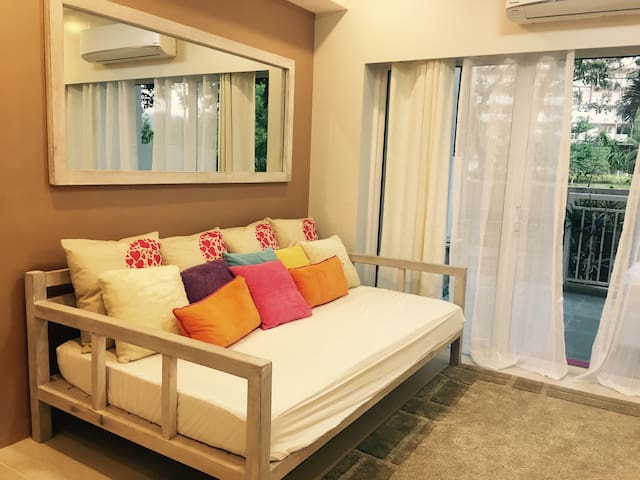 2BR loft type fully-furnish luxury - Nasugbu - Appartement
