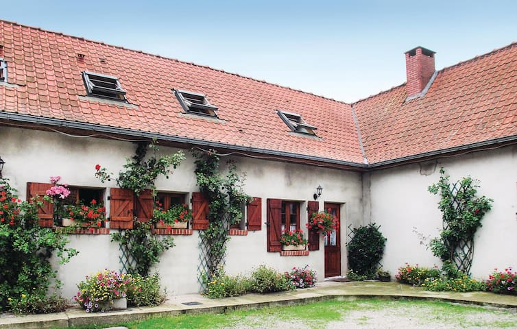 Semi-Detached with 2 bedrooms on 90 m² in Campagne les Boulonnai