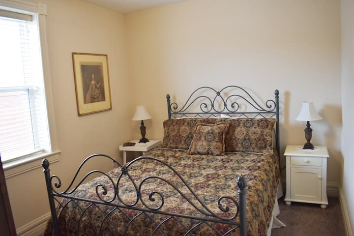Hermann Crown Suites, Victorian Suite, Amenities!!