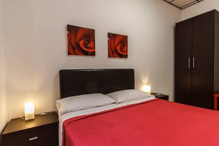 DISTRICT TRASTEVERE - B&B LA LUPA - Rome - Bed & Breakfast