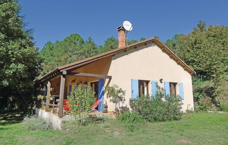 Holiday cottage with 6 bedrooms on 160m² in Senechas