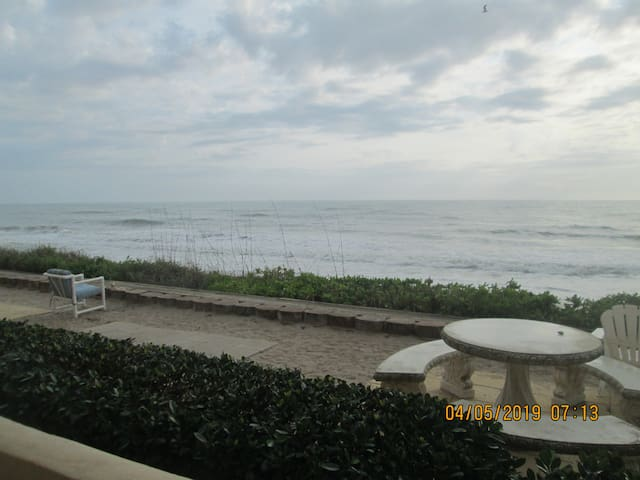 Oceanfront Paradise-Family Condo