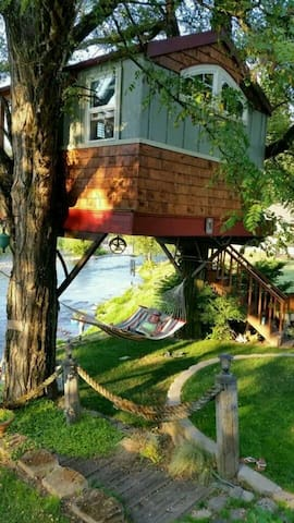 Washougal Riverside Treehouse - Washougal - บ้านต้นไม้