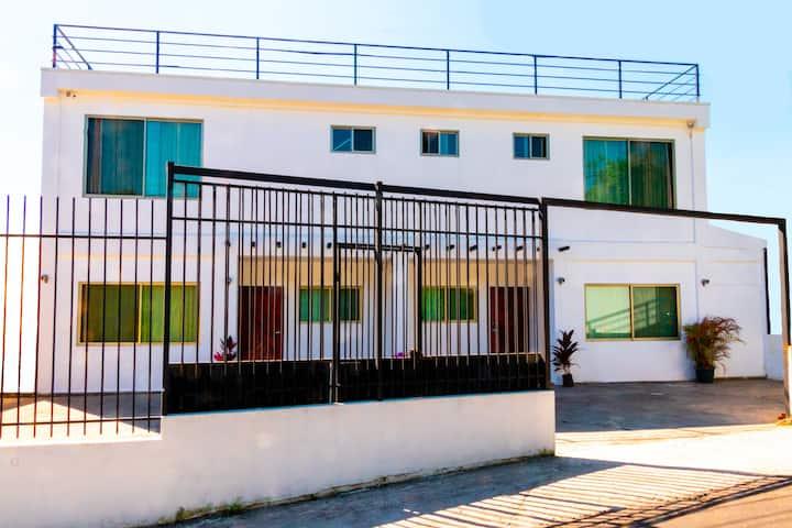 La Casa Blanca de Grecia, 2BR left condo