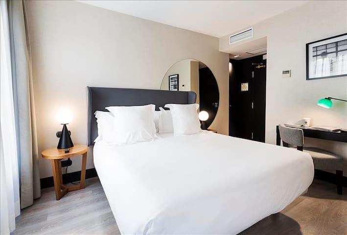 Cozy Chamberi palace double/twin room