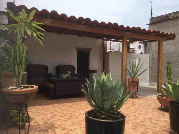 Casa de Micaela, Mini loft en casa antigua, Centro