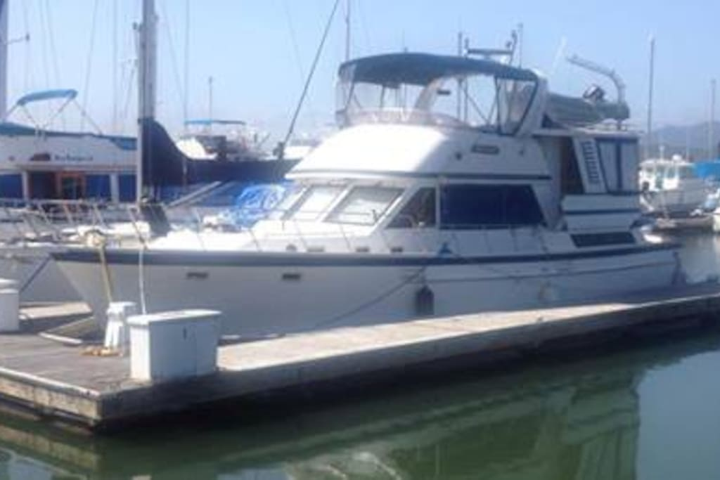 46' Yacht - Portside at Dock