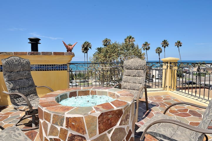 Beach! 1blk away & Rooftop Views! - Oceanside - Villa