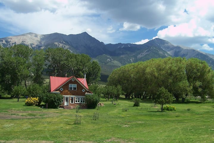 Taka Chi Farmhouse, Blanca, CO - Blanca