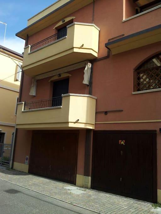 Appartamento al mare speciale appartamenti in affitto for Entrata del mudroom dal garage