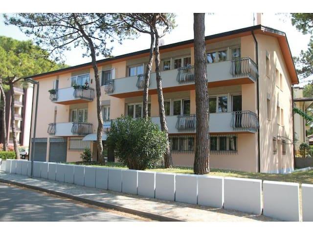 Piccolo appartamento con una camera 4 adulti