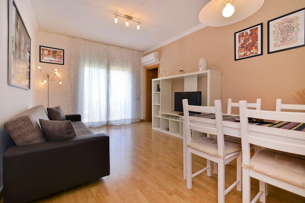 Navas meridiana apartment appartamenti in affitto a for Appartamenti barcellona