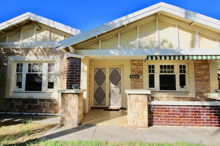 Prospect Home. 20 min from airport, 5min to Coles