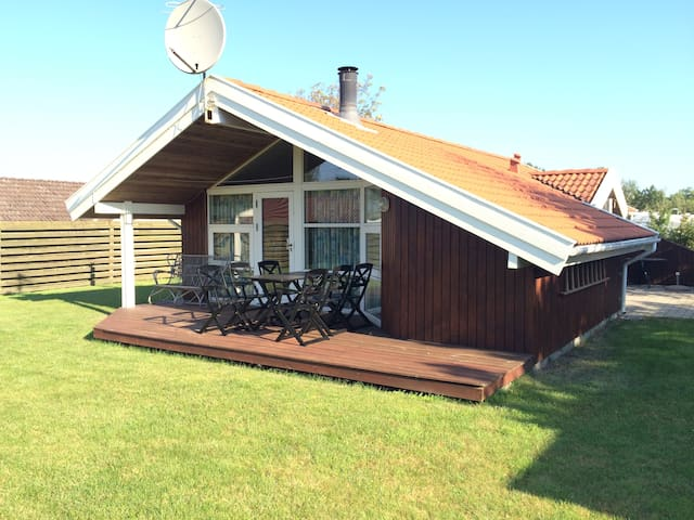 Modern summerhouse 200m to beach. - Store Fuglede - Huis