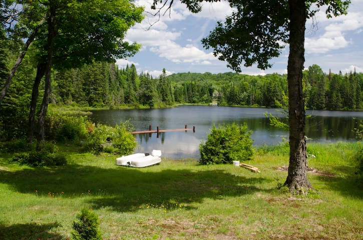 Ty-Llyn - Lakeside cosy chalet - Sainte-Lucie-des-Laurentides - 一軒家