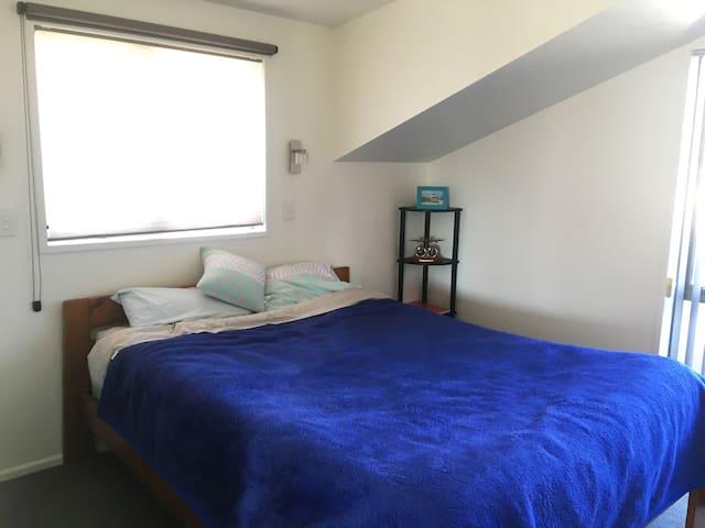 Bedroom. Double bed