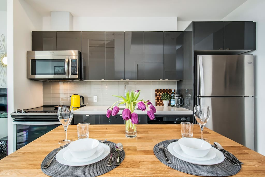 Our fully equipped kitchen includes all the basic cookware and amenities you need to enjoy a nice meal