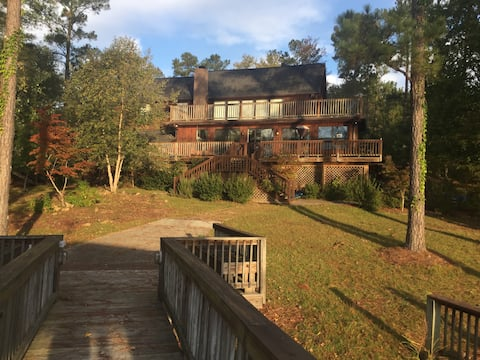 The Hideaway at Lake Wateree -Large lake house.