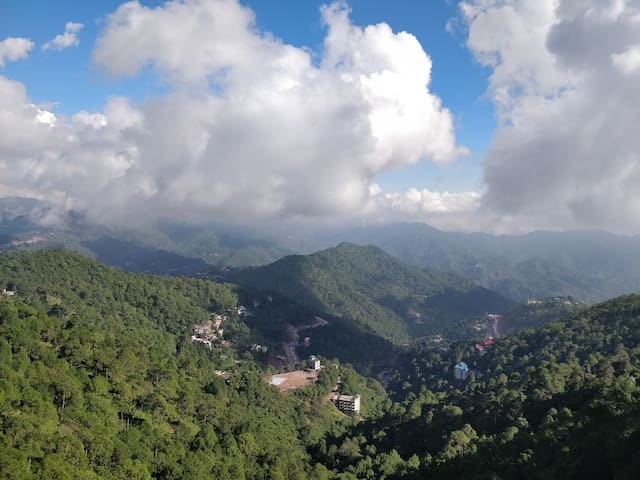 One Bedroom | Cozy stay | Awesome View Kasauli